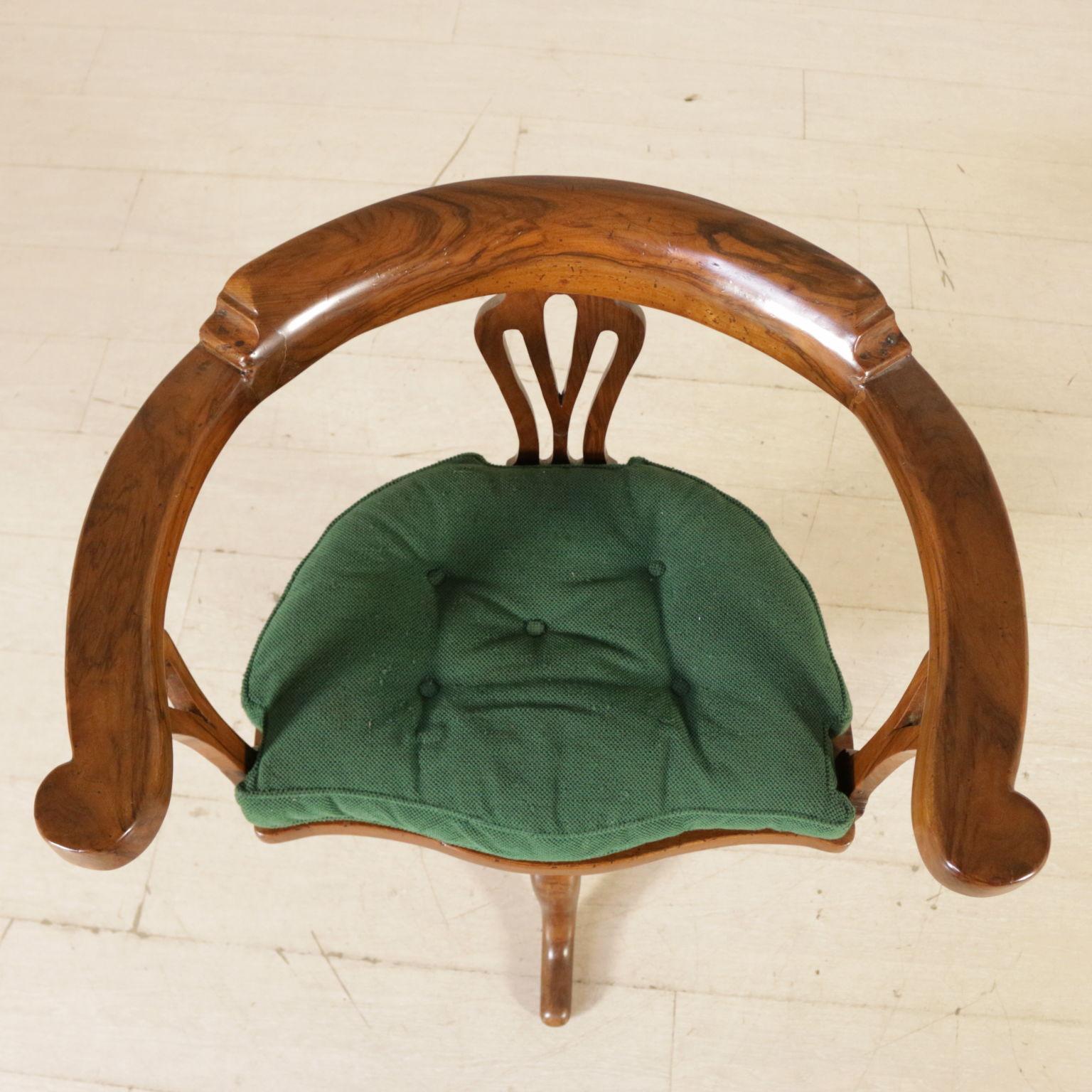 Sedia girevole sedie poltrone divani antiquariato for Sedie particolari