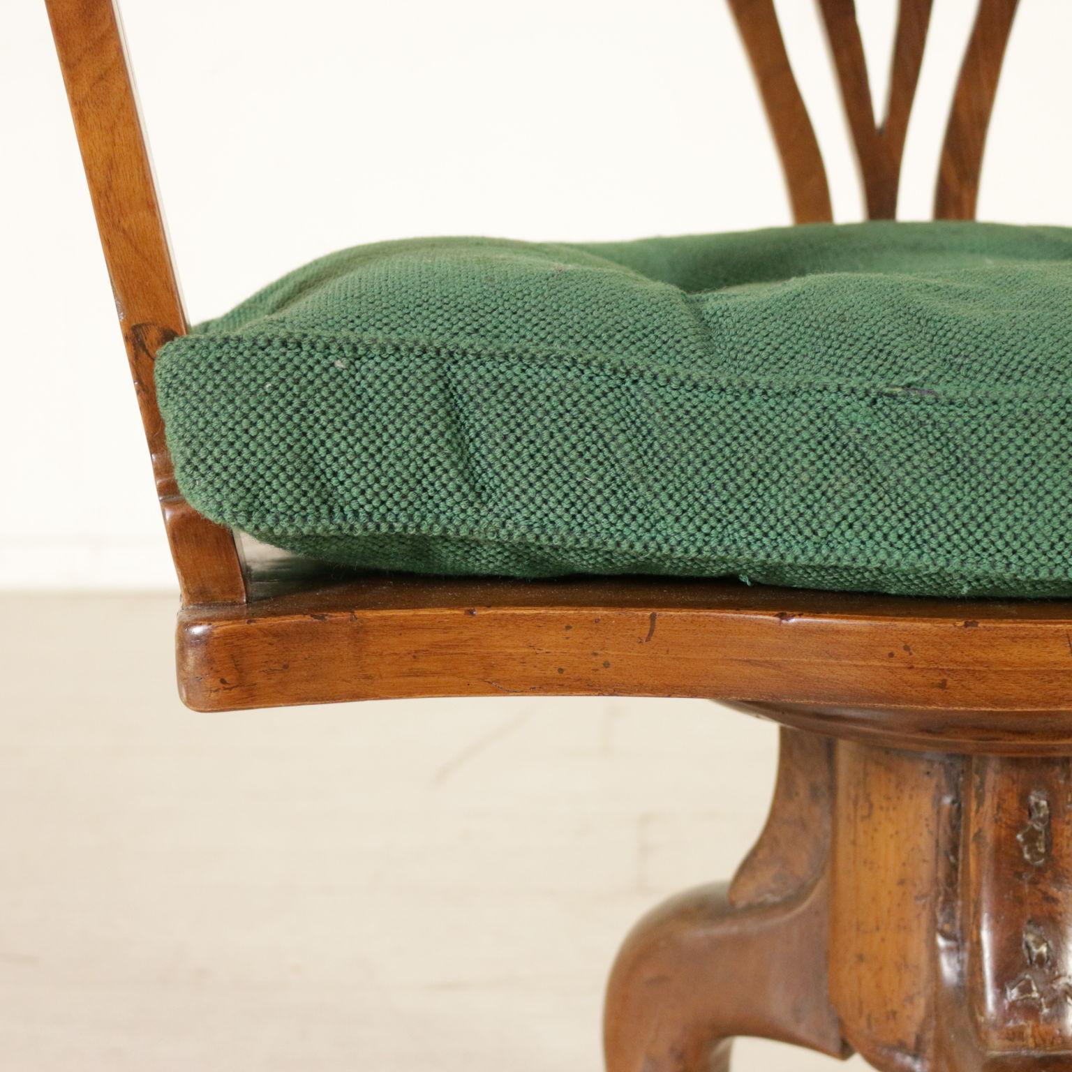 Sedia girevole sedie poltrone divani antiquariato for Sedia particolare