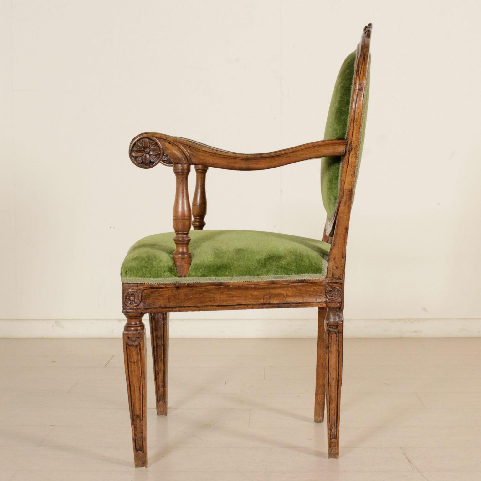 Poltrona neoclassica sedie poltrone divani for Poltrone sedie