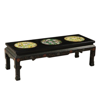 Coffee Table Lacquered Wood Made in China Mid 1900s