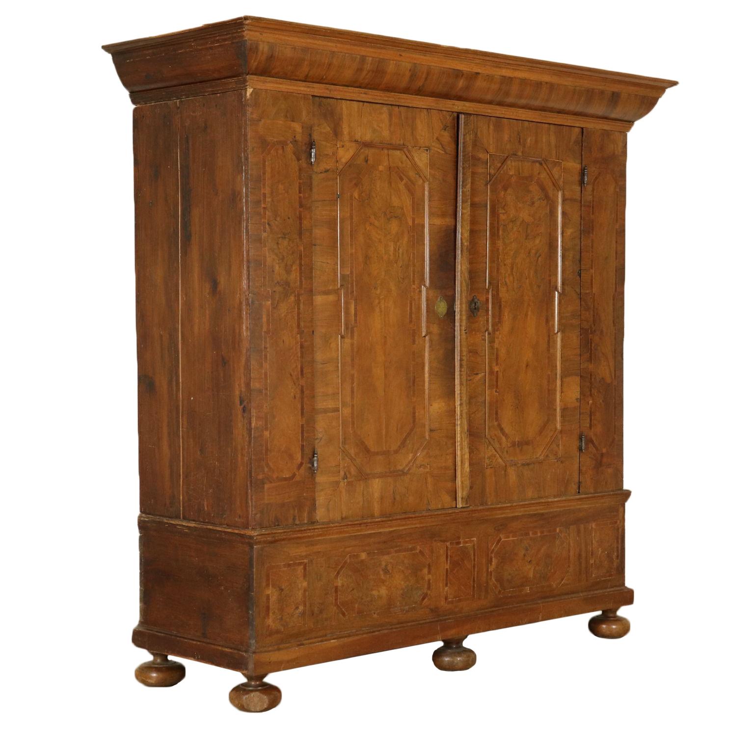 armoire avec deux portes de l 39 allemagne meubles de style bottega del 900. Black Bedroom Furniture Sets. Home Design Ideas