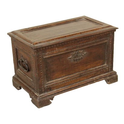 Small Box Walnut Manufactured in Italy 17th Century