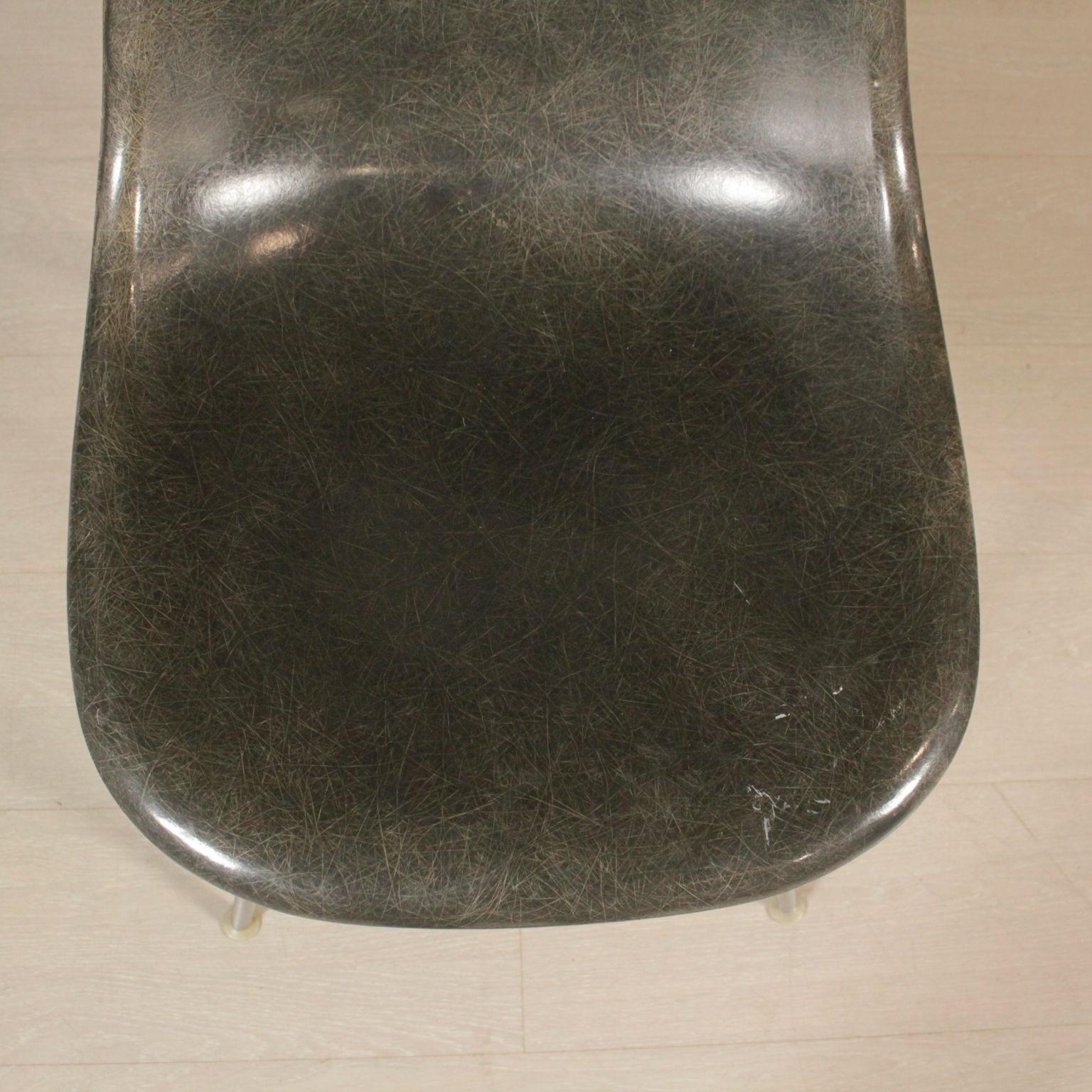 Sedia charles eames sedie modernariato for Sedia particolare