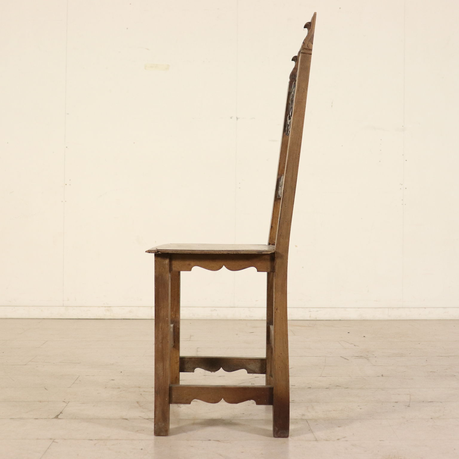 Gruppo di sei sedie sedie poltrone divani antiquariato for Sedie particolari