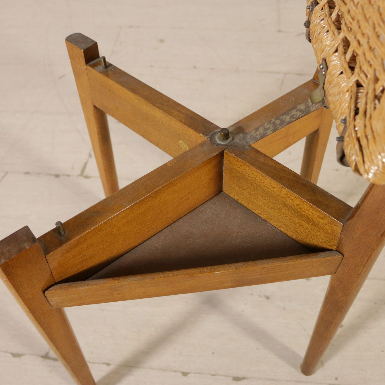 Sedia reguitti sedie modernariato for Sedia particolare