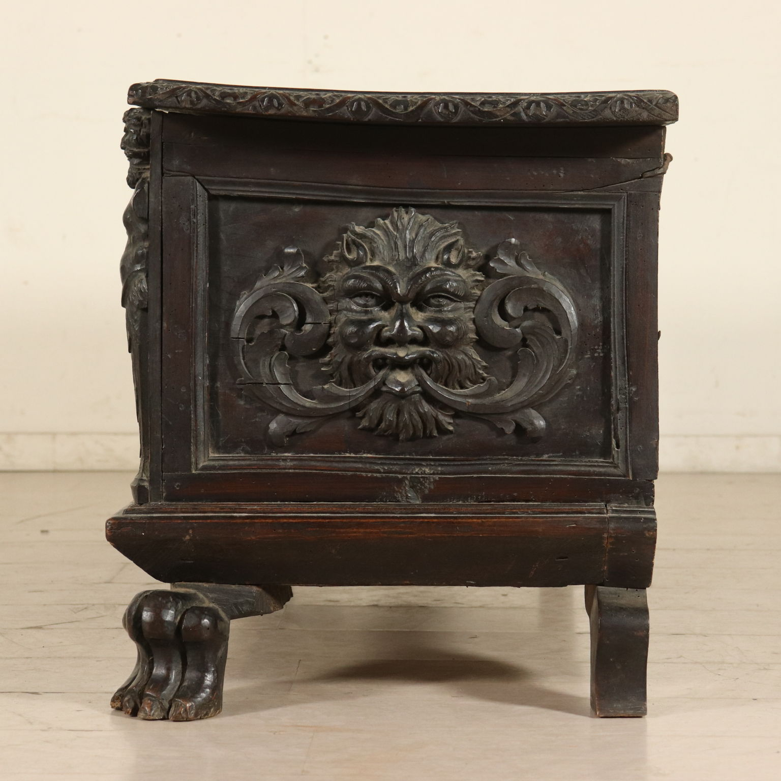 Astounding Walnut Antique Storage Bench Italy Late 1600S Theyellowbook Wood Chair Design Ideas Theyellowbookinfo