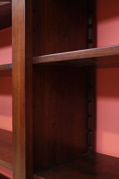 Libreria mobili in stile bottega del 900 for Piani di libreria stile artigiano