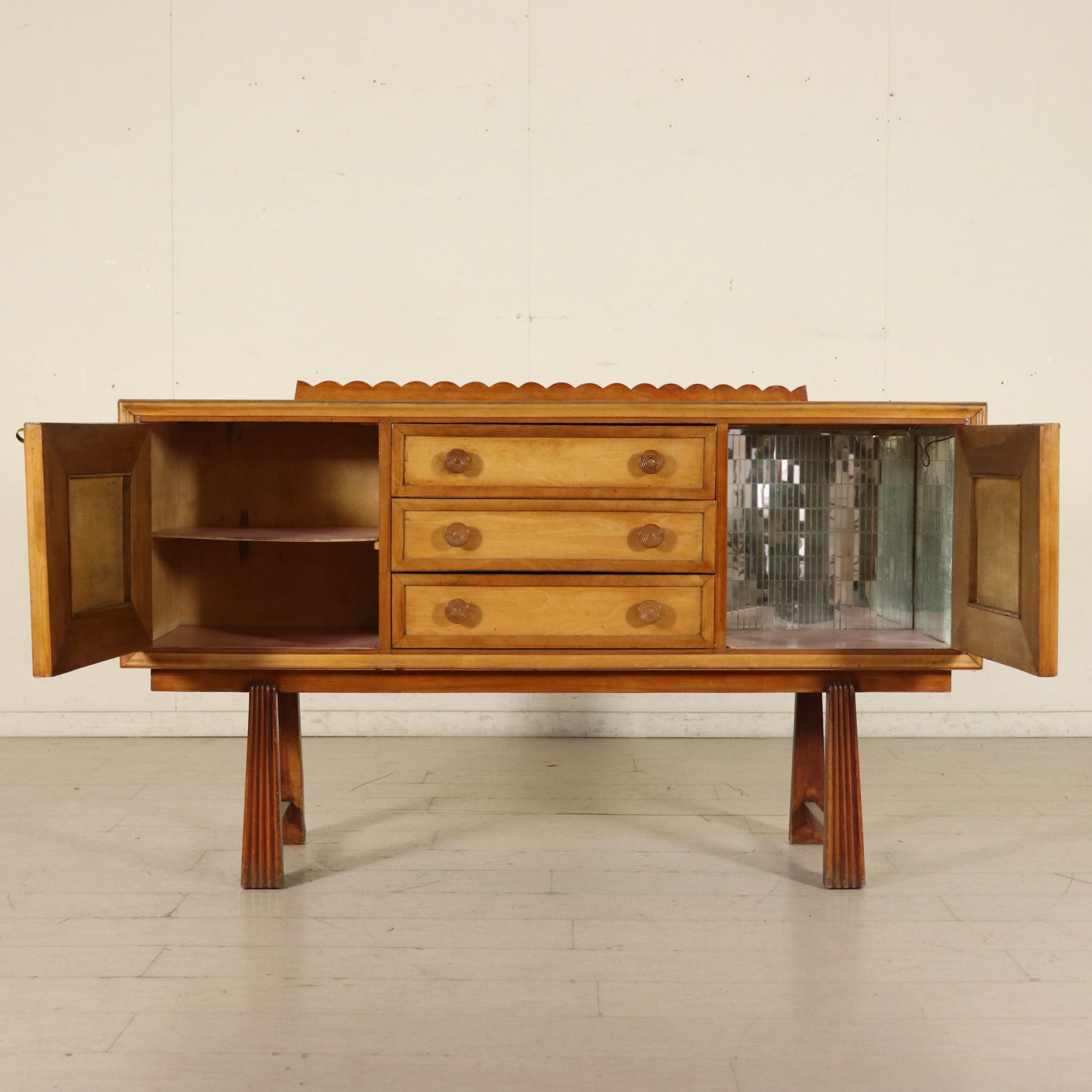 Buffet Möbel Mahagoni 40er - 50er Jahre. - Mobiliar ...