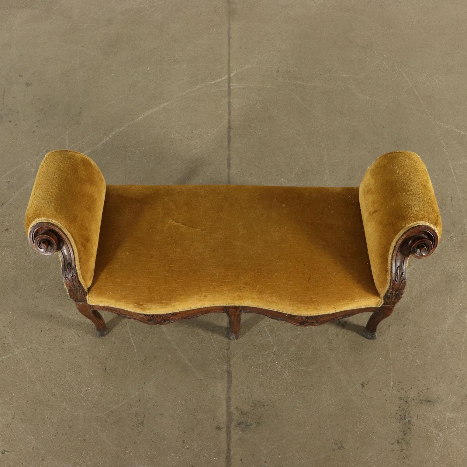 Couchgarnitur Antik Angerundete Bank 2 Sessel Einer Beschnitzt Nußbaum Modern Und Elegant In Mode Originale