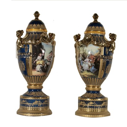 Pair of Antique Vases Gilded Ornaments 20th Century