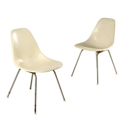 Pair of Chairs by Charles and Ray Eames Vintage 1970s