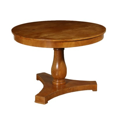 Revival Round Table Cherry Italy 20th Century