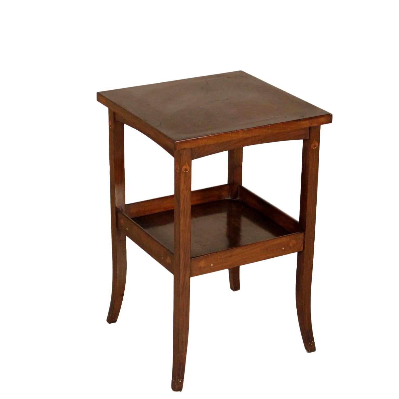 Tavolino Due Ripiani.Tavolino A Due Ripiani