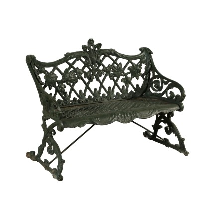The sofa cast iron garden