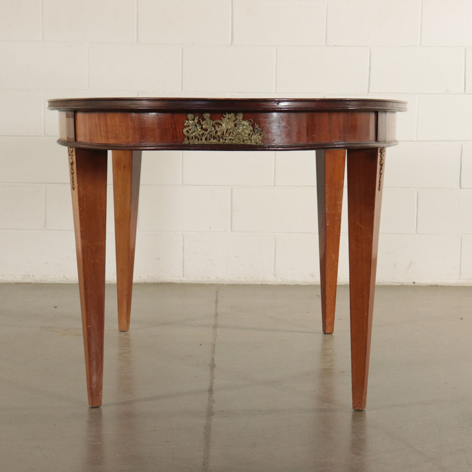 Oval Mahogany Table Louis Xvi Revival Italy 20th Century Mobili