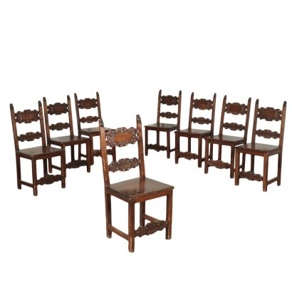 Group of 8 Neo-renaissance Style Chairs Walnut Chestnut 20th Century