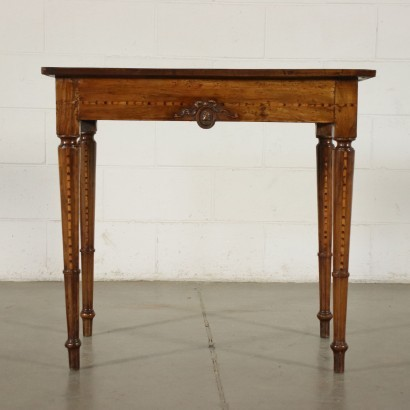Small Venetian Neo-Renaissance Table Wlanut Marple Italy 18th Century