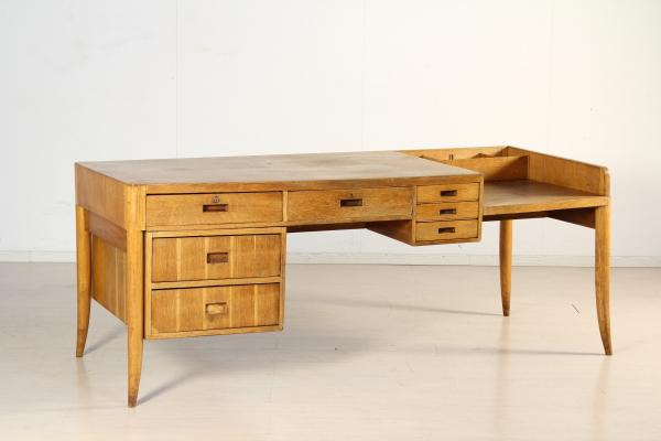 Bureau de style guglielmo ulrich tables design moderne