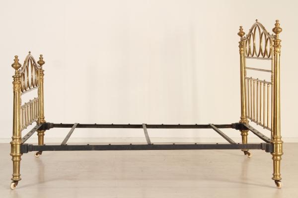 bett messing betten und kopfteile antiquit ten. Black Bedroom Furniture Sets. Home Design Ideas