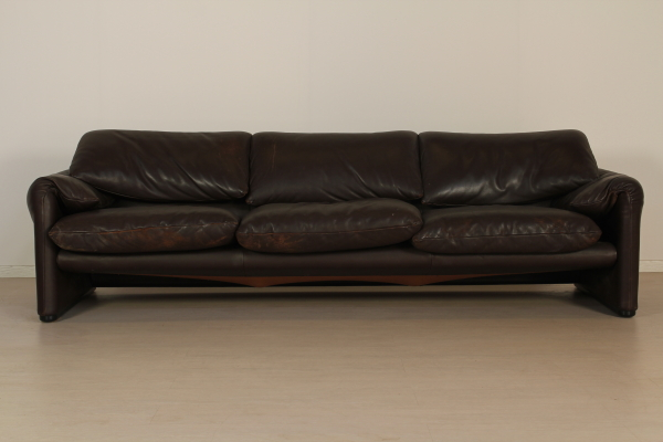 Divano tre posti divani modernariato - Divano cassina maralunga ...
