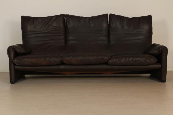 Divano tre posti divani modernariato for Divano a tre posti