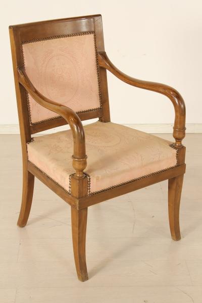 Quattro poltrone sedie poltrone divani antiquariato for Poltrone sedie