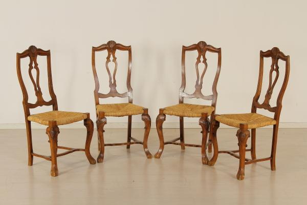 Gruppo quattro sedie mobili in stile bottega del 900 for Gruppo mobili
