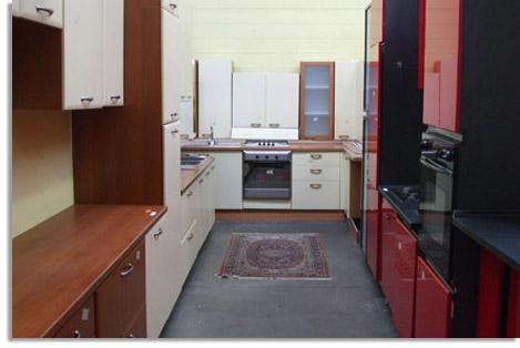 Da noi puoi trovare cucine complete, camere matrimoniali e camerette ...