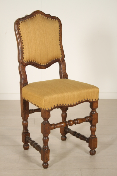 Sedie poltrone divani sedia a rocchetto for Sedia horror