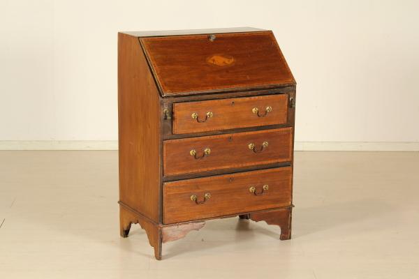 Ribaltina inglese mobili in stile bottega del 900 - Mobili in stile inglese ...